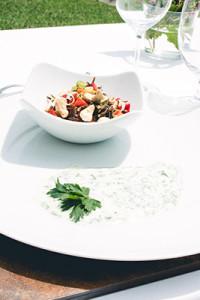 Meine Vorspeise vom Induktionsfeld: Schwarzer Reissalat mit Paprika und Cashews.