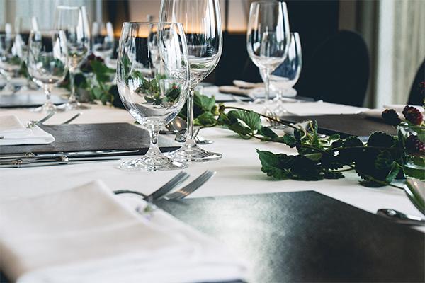 Ready, steady, Koch-Duell: Der Tisch ist schon gedeckt.