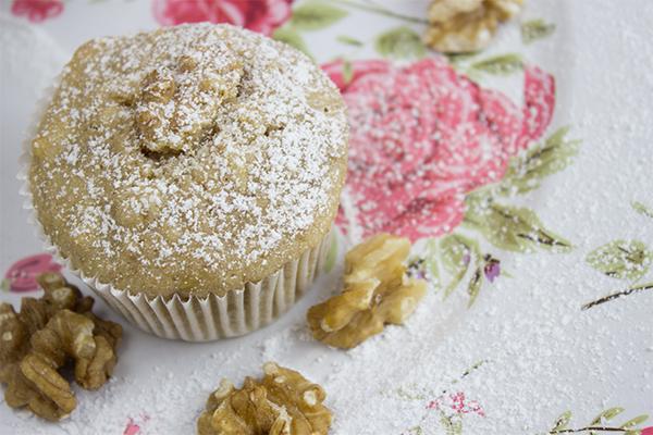 Einem Muffin kann ich fast nicht widerstehen. Aber ein Bananen Muffin? An dem komme ich einfach nicht vorbei! Die schmecken zu gut!