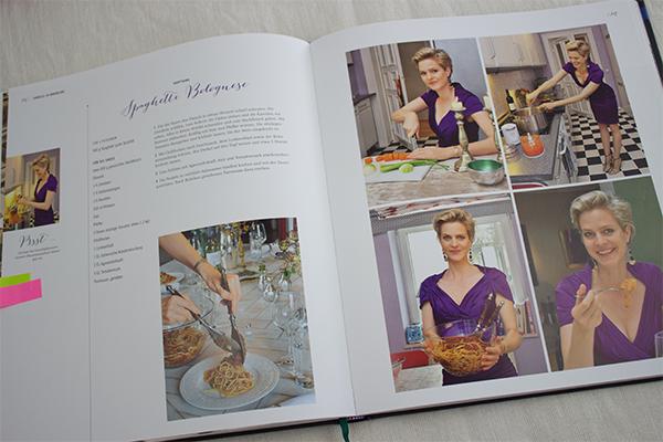 Leckere, machbare und gelingsichere Rezepte, die jede Frau als gute Gastgeberin und Köchin auszeichnen. Das findet man in diesem Kochbuch.