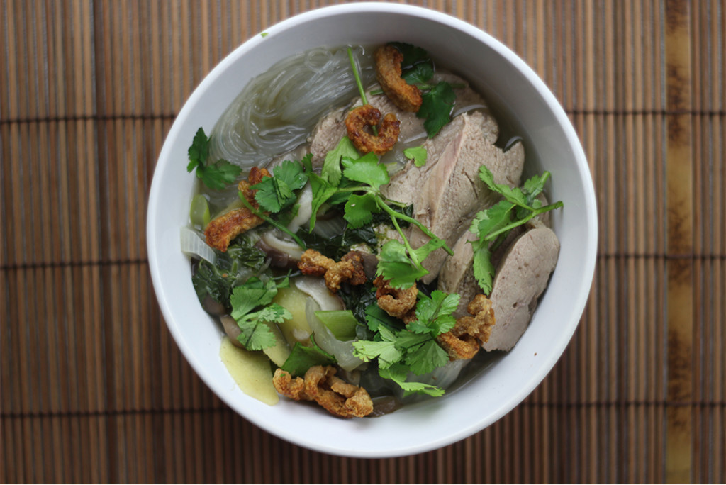 Phò Suppe mit Ente